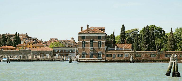 Turismo, indagine Otex su Venezia: nel 2020 l'extra alberghiero perde il 63,74%